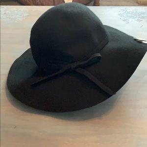Accessories - Boho style floppy hat